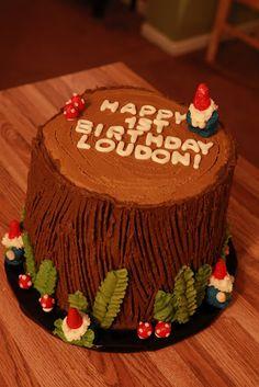 Woodland gnome birthday cake. Gnomes!!!!!  Love me some Gnomes.