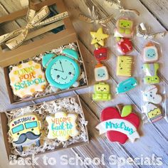 Sifts and Giggles Fall Cookies, Iced Cookies, Cut Out Cookies, Cute Cookies, Cupcake Cookies, Sugar Cookies, Royal Icing Sugar, Royal Icing Cookies, Minis