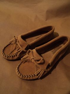 minnetonka leather moccasins (great condition) size 7 ladies