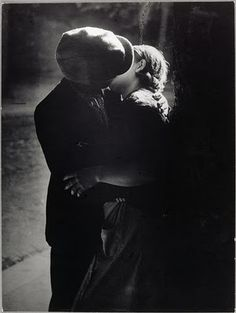 "Vicsmuse: Brassai (Gyula Halsaz) - ""The Eye of Paris"""
