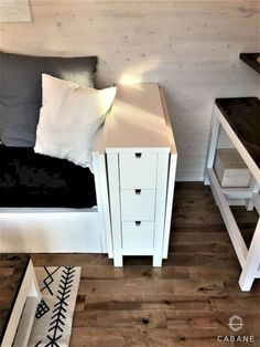 16 Tiny House Furniture Ideas Living in a tiny house surely is not same with living in a big house. When you can choose any furniture for your big house, you can't do that for a tiny house. A tiny house needs special furnitur