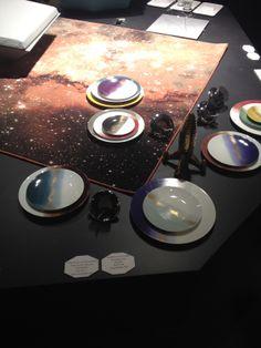 Parmi les tendances 2014 du salon : la collection style galaxie de Marie Daage ! #mariedaage #mo14 #assiette #galaxy #style #decoration #table #galaxie