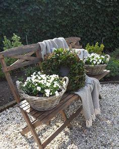 - Garden Care tips, Garden ideas,Garden design, Organic Garden Garden Care, Balcony Garden, Garden Planters, Garden Seat, Jardin Decor, Pot Jardin, House Plants Decor, Rustic Outdoor, White Gardens