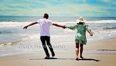 Beach wedding pic idea pose, engagement pics, renewing wedding vows