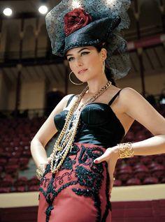 Helena Coelho. Moda taurina!