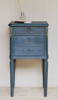 A french side table painted in Aubusson Blue chalk paint by Annie Sloan. I love the softness of this finish: the color really sings like the old lead-based paint, but is non-toxic.