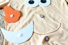 DIY No-Sew Mr. Potato Head Costume for Kids and Adults Diy Costumes, Costume Ideas, Halloween Costumes, Adult Halloween, Halloween Ideas, Mr Potato Head Costume, Woody Costume, How To Make Potatoes, Potato Heads