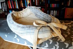 Baby Born, Sewing For Kids, Laundry Basket, Bassinet, Wicker, Furniture, Home Decor, Scrappy Quilts, Crib