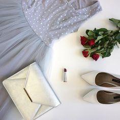 POSH efekt zarucen  ♥️ #flatlay #flatlayphoto #roses #redrosses #silver #passion #fashion #passionforfashion #poshme #poshmecz #posh Flat Lay Photos, 21st, Instagram Posts, Silver, Fashion, Moda, Fashion Styles, Silver Hair, Fashion Illustrations