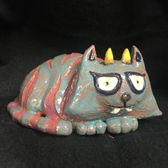 Double pinch pot monster crazy cat clay