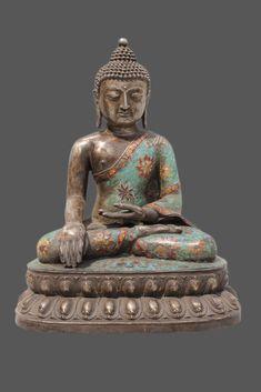 Sitzender Cloisonne Buddha auf Doppellotus-Sockel