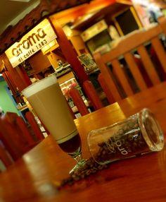 """A R O M A D I C A F F É """"La calidez y hospitalidad es parte de nuestra receta"""". Vive grandes momentos en: #AromaDiCaffé . #MomentosAroma#SaboresAroma#ExperienciaAroma#Caracas#MejoresMomentos#Amistad#Compartir#Café#CaféVenezolano#PrensaFrancesa#Coffee#FrenchPress#TerceraOla #Espresso #CoffeePic #CoffeeLovers #CoffeeCake #CoffeeTime #CoffeeBreak #CoffeeAddicts #CoffeeHeart #InstaPic #InstaMoments #InstaCoffee #TerceraOla #BaristaLife #Barismo #Cenital Visítanos en el C.C. Metrocenter pasaje…"""