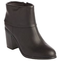 Band Boot in Black