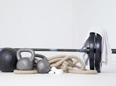 Bodybuilding vs Powerlifting:  Pros & Cons.  Which is right for you?