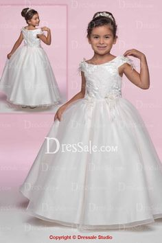 This dreamlike white flower girl dress will bring you enter into a romantic fairy tale world. It is accented with marvelous appliqued bodice introducing enchanting bateau neckline and capped sleeves. Fascinating bubble design skirt makes a gorgeous statement.