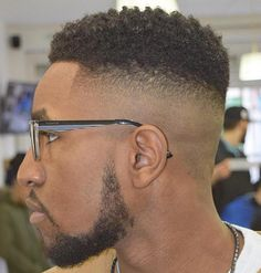 African American High And Tight frisuren männer 50 Stylish Fade Haircuts for Black Men High Skin Fade, Low Fade, Black Men Haircuts, Black Men Hairstyles, Cool Haircuts, Men's Hairstyles, Medium Hairstyles, Short Haircuts, Wedding Hairstyles