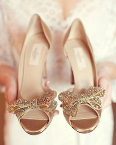 The 20 Most Iconic Wedding Shoes Ever | weddingsonline