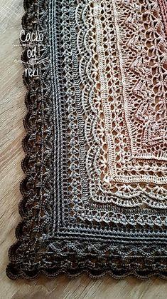 Crochet shawl 306315212159294867 - Ravelry: Dafni Smile Shawl pattern by Julita Janicka Source by veroniikkaa Crochet Shawl Diagram, Crochet Shawl Free, Crochet Shawls And Wraps, Crochet Blanket Patterns, Crochet Scarves, Knitting Patterns, One Skein Crochet, Beau Crochet, Basic Crochet Stitches