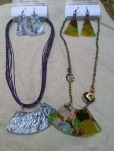 American School of Jewelry Jewelry I Cd Crafts, Jewelry Crafts, Jewelry Art, Jewelry Ideas, Recycled Cds, Recycled Crafts, Cd Recycle, Recycling, Washer Necklace