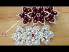 Lacinho de pérolas Nenna Passo a passo com gleicy kelly Barbosa - YouTube Beaded Sandals, Beaded Jewelry, Beaded Bracelets, Alcohol Ink Crafts, Hair Bow Tutorial, Beading Needles, Bead Art, Flowers In Hair, Beading Patterns