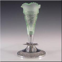 Bagley 1930's Art Deco Green Glass 'Katherine' Vase #3187 - £29.99