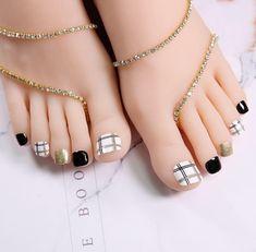 Feet Nail Design, Pedicure Nail Designs, Dot Nail Designs, Pedicure Nails, Simple Toe Nails, Pretty Toe Nails, Cute Toe Nails, Toe Nail Art, White Gel Nails