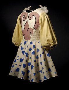 BALLET RUSSES – Pulcinella: Giorgio de CHIRICO, designer (Greece 1888 – Italy 1979); Dress, 1932:  wool, cotton, paint. National Gallery of Australia, Canberra