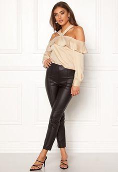 Blusar & Skjortor | Bubbleroom - Kläder & Skor online Skor Online, Leather Pants, Fashion, Fashion Styles, Leather Jogger Pants, Moda, Leather Joggers, Fashion Illustrations, Fashion Models