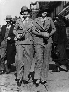 giantpantsofthe30s:    Sarah Williams and Minnie Stephans, Washington, 1933just saw a versio yesterday