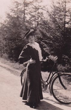 Gibson Girl and bicycle