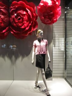 www.retailstorewindows.com: Dior, London