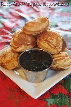 æbleskiver - recipe and instructions in English from the Roots and Wings blog