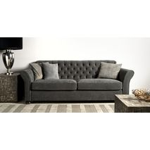 Prachtige landelijke stijl! Deze Calmont sofa is met de hand gecapitonneerd. De knopen in de rugleuning en de mooie ronde vormen van de tweezitsbank zorgen voor ene romantische uitstraling. De Calmont is leverbaar in verschillende afmetingen, stoffen en kleuren. Bekijk de mogelijkheden bij van de Pol Meubelen.