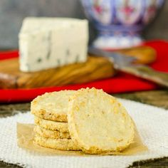 A recipe for Spicy Blue Cheese Shortbread Cookies. (I'd use cream cheese not blue.) These are savory, slice and bake cookies made with blue cheese, cayenne, and red pepper flakes. Shortbread Cookies, No Bake Cookies, Shortbread Recipes, Short Bread, Fromage Cheese, Cheese Scones, Cheese Straws, Cheese Plates, Cooking Cookies