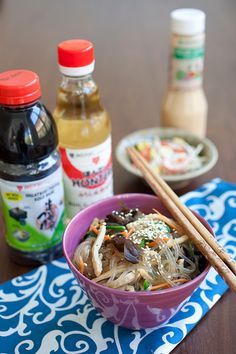 Looking for Fast & Easy Asian Recipes, Main Dish Recipes, Quick Recipes! Recipechart has over free recipes for you to browse. Find more recipes like Japchae (Korean Mixed Noodles). Korean Glass Noodles, Asian Noodles, Beef And Noodles, Vegetable Noodles, Korean Dishes, Korean Food, Chinese Food, Vietnamese Food, Japanese Food