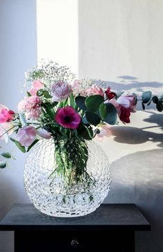 DAGG E Flowers, Flower Vases, Flower Art, Planting Flowers, Beautiful Flowers, Home Comforts, Flower Quotes, Fashion Room, Floral Arrangements