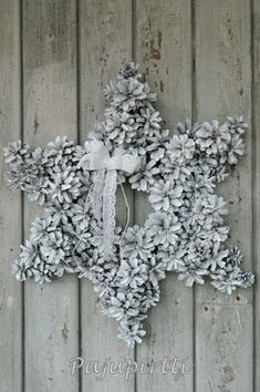 Star shaped pinecone wreath