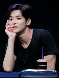 Kim Young, Sf 9, Fnc Entertainment, Kdrama Actors, Fantasy, K Idols, Boyfriend Material, Korean Actors, Pretty Boys