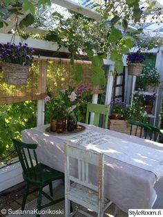 kesähuone,kasvihuone,huvimaja,piha,puutarha