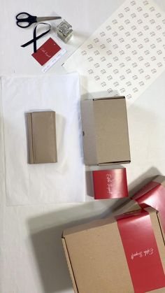 Clothing Packaging, Shirt Packaging, Soap Packaging, Jewelry Packaging, Packaging Ideas, Kraft Box Packaging, Cake Boxes Packaging, Brownie Packaging, Underwear Packaging