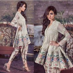 Latest Indian and Pakistani Frock Designs 2019 Pakistani Frocks, Pakistani Party Wear, Pakistani Couture, Pakistani Bridal Dresses, Indian Couture, Pakistani Outfits, Indian Dresses, Indian Outfits, Pakistani Clothing