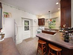 1439 Rockmere Rd, Cranberry Township Ven, PA 16301 - Home For Sale and Real Estate Listing - realtor.com®