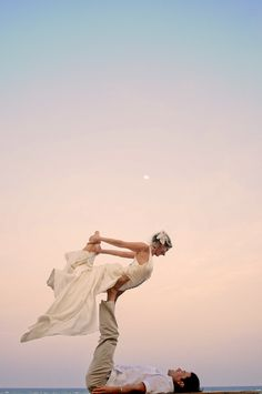 Acro yoga trash the dress in Tulum, Mex by Diego Muñoz Photography
