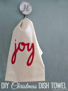 DIY Christmas Dish Towel via Chase the Star