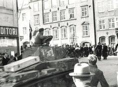 Mathias Gade og Dumpen i maj Viborg, Military Vehicles, Street View, Film, Danish, German, Cars, Movie, Deutsch