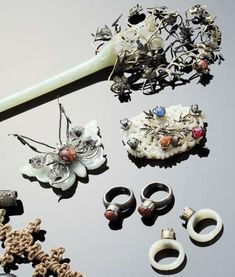 Traditional Korean jewelery and hair accessories primarily featuring Jade. #DecorativeKoreanArt