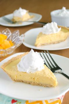 """Frozen Mango """"Cream"""" Pie"""