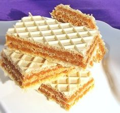 Karamel oblatne – Recepti sa slikama – Sve na jednom mjestu Chef Recipes, Sweets Recipes, Romania Food, Romanian Desserts, Wafer Cookies, Good Food, Yummy Food, Croatian Recipes, Sweet Tarts