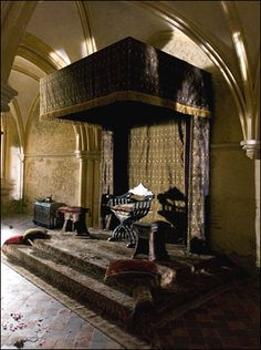 ~the Chapter House became the Royal bedroom of Catherine of Aragon (King Henry VIII's first wife) and the Warming House became Henry VIII's Bath House.