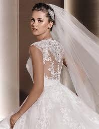 Resultado de imagem para vestidos de noiva para casamento a tarde no campo